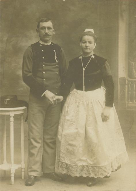 janvier 1912. Hervé Mauguen et Marie-Louise Louboutin. coll. J-Y Le Page