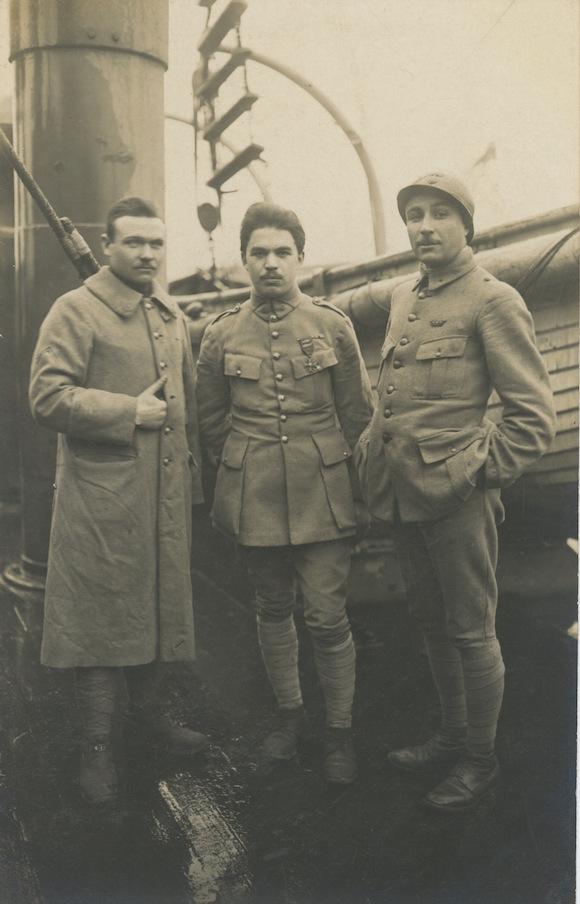 F. Trellu arborant sa croix de guerre avec étoile de bronze et 2 palmes. Coll. personnelle