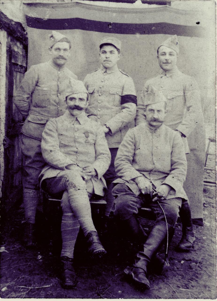 F. Trellu, en 1917, portant le deuil de son frère Yves. Coll. personnelle